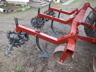 Самодельные навесные и прицепные приспособления к тракторам